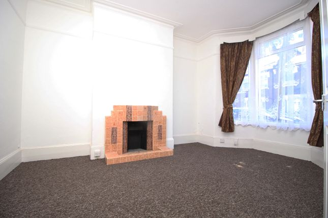 Thumbnail Terraced house to rent in Beaconsfield Road, Leyton