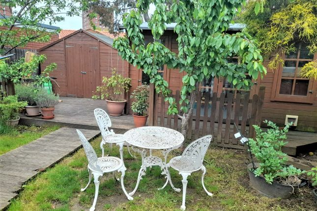 Thumbnail Semi-detached house to rent in Birchway, Hayes, Greater London