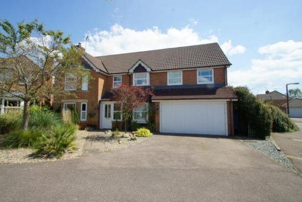 Thumbnail Property to rent in Elgar Way, Horsham