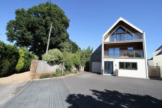 Thumbnail Detached house for sale in Hobb Lane, Hedge End, Southampton