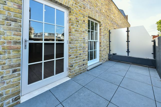Thumbnail Flat for sale in Dalston Lane, London