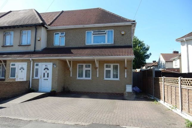 Thumbnail Town house for sale in Carlyle Avenue, Southall, Middlesex