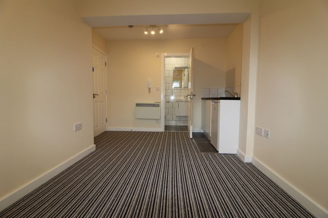 Thumbnail Room to rent in Sedgewick Avenue, Uxbridge