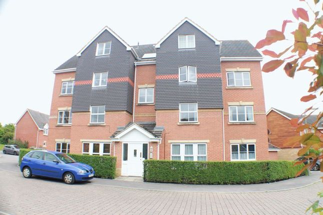 Thumbnail Flat for sale in Fallow Crescent, Hedge End, Southampton