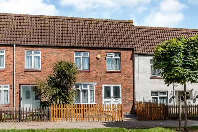 3 bed terraced house for sale in Panfields, Laindon, Essex