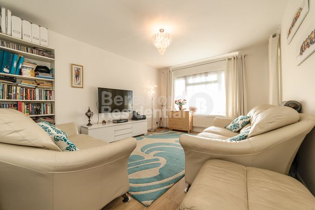 Thumbnail Flat for sale in Aubyn Hill, West Norwood