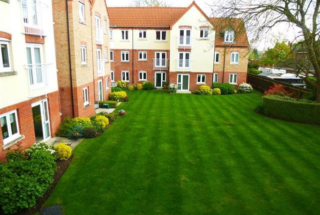 Thumbnail Flat to rent in Pool Close, Spalding