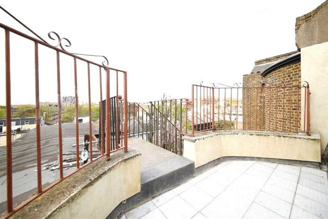 Thumbnail Maisonette to rent in Clapton Square, London