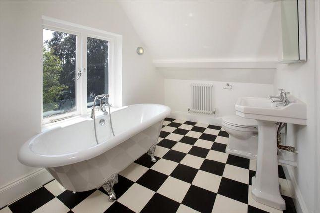 En-Suite Bed 4 of Petitor Road, St Marychurch, Torquay, Devon TQ1