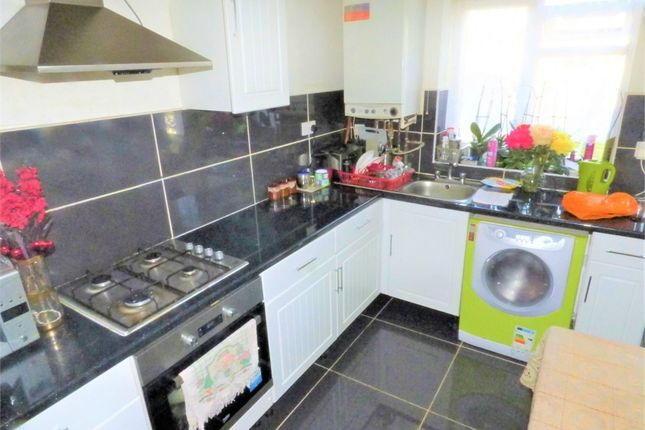 Thumbnail Flat to rent in Gledwood Avenue, Hayes, Greater London