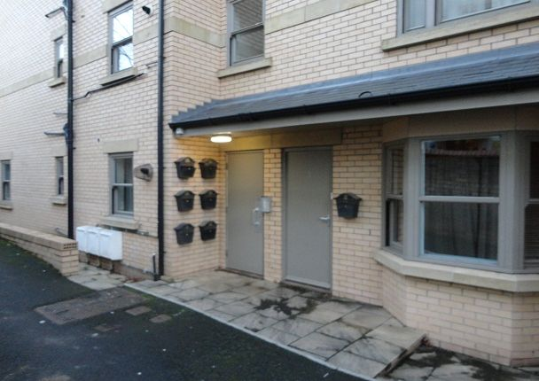 Thumbnail Flat to rent in Flat 13, 31 Valley Road, Scarborough