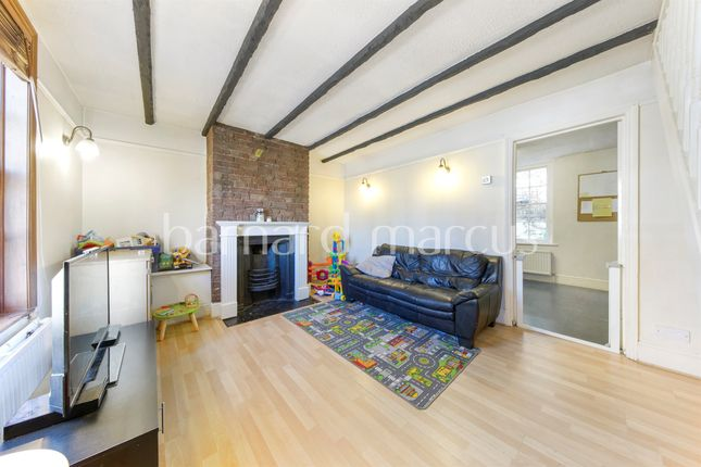Thumbnail Terraced house for sale in Manor Road, Wallington