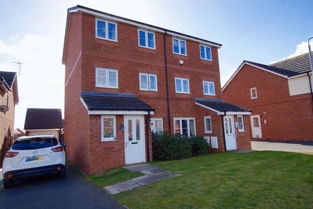 Thumbnail Semi-detached house to rent in Alyn Road, Gwersyllt, Wrexham
