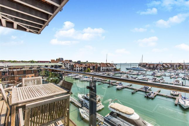Thumbnail Flat for sale in Sundowner, Ocean Village Marina, Southampton