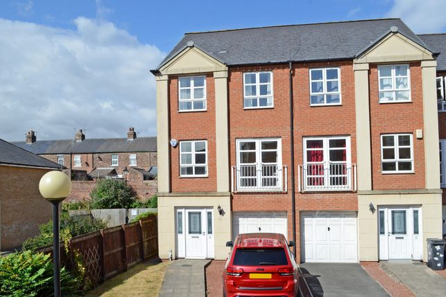 Thumbnail Property to rent in Martins Court, York