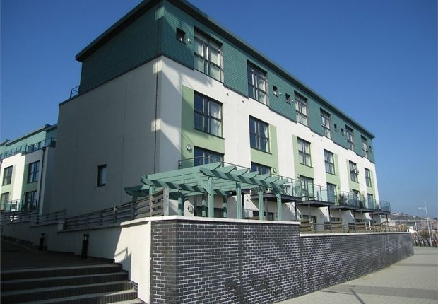 Thumbnail Town house to rent in Marina Villas, Maritime Quarter, Swansea
