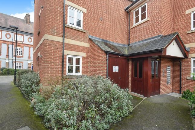 2 bed flat for sale in Bennett Crescent, Oxford OX4,