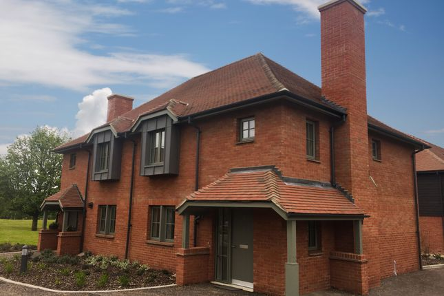 Thumbnail Cottage for sale in Audley Chalfont Dene, 17 Drury Close, Rickmansworth Lane, Chalfont St Peter