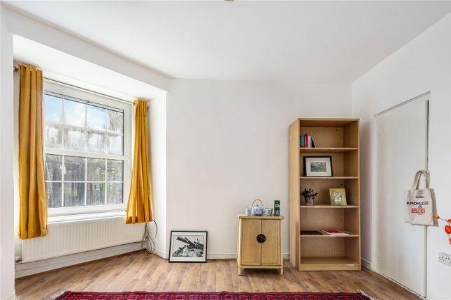 Living Room of Wheler House, Quaker Street, London E1