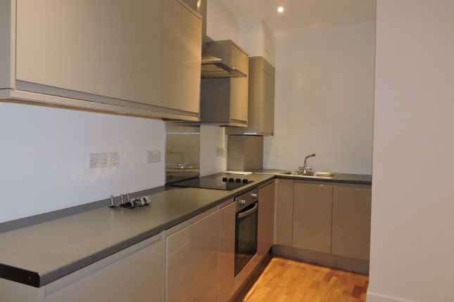 Thumbnail Flat to rent in Rock Street, Finsbury Park