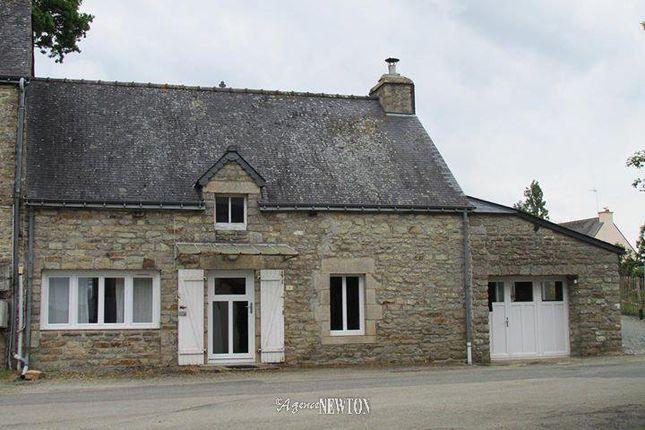 St Servant, 56120, France