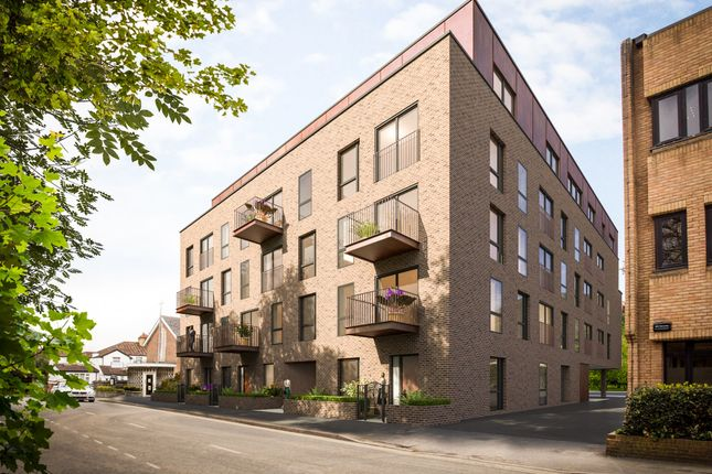 Thumbnail Flat for sale in Aston House, Gerrards Cross