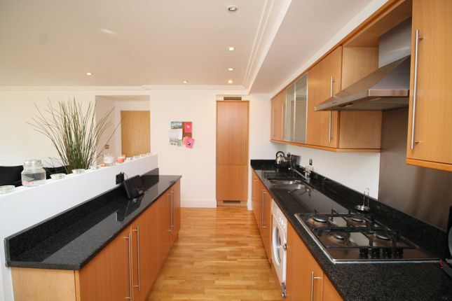 Thumbnail Flat for sale in Ferry Quays, Brentford