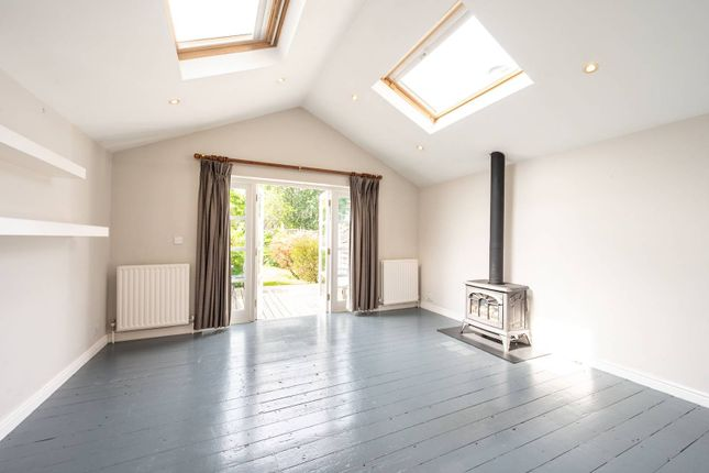 Thumbnail Terraced house for sale in Twilley Street SW18, Wandsworth, London,