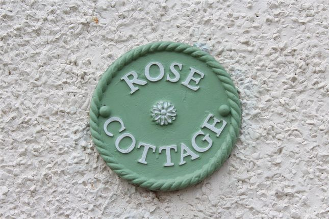 Picture No. 38 of Rose Cottages, St. James Road, Fleet, Hampshire GU51