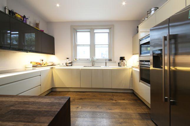 Thumbnail Flat to rent in St. John's Hill, London