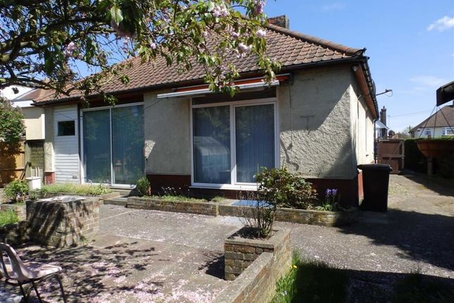 Felixstowe Road Ipswich Suffolk Ip3 3 Bedroom Detached Bungalow For Sale 47167939