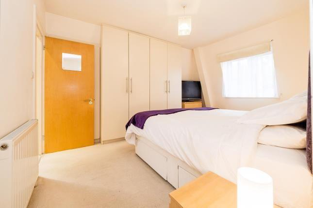 2 bed flat for sale in Billet Lane, Hornchurch, Essex RM11
