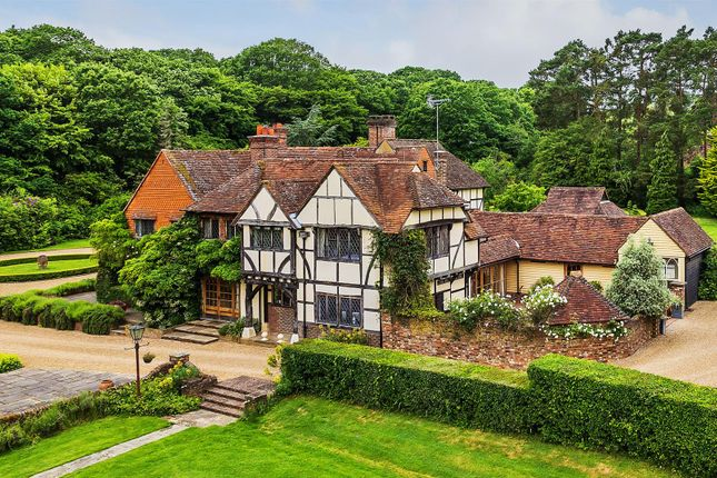 Thumbnail Property to rent in Alfold Road, Dunsfold, Godalming