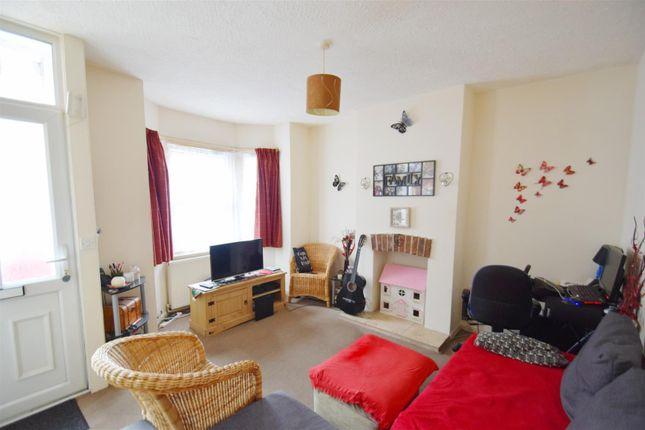 Living Room of Filey Road, Reading, Berkshire RG1