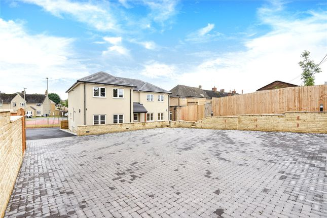 Flat to rent in Hailey Road, Witney