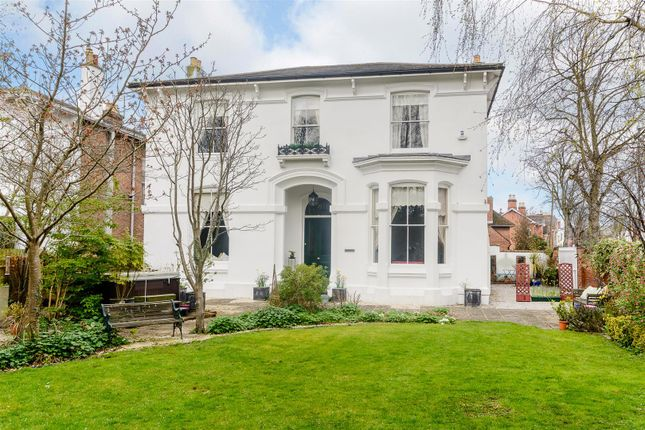 Thumbnail Property for sale in Upper Holly Walk, Leamington Spa, Warwickshire