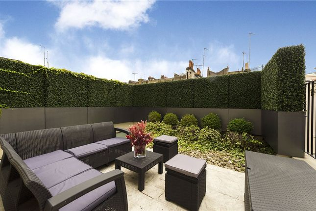 Thumbnail Terraced house for sale in Chapel Street, Belgravia, London
