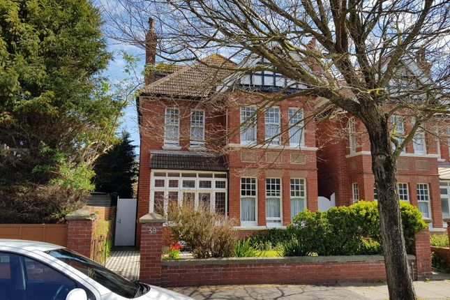 Thumbnail Detached house to rent in Vallance Gardens, Hove, East Sussex