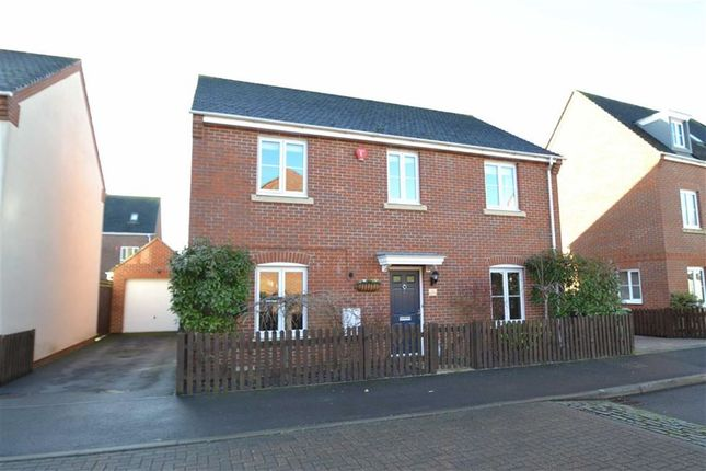 4 bed detached house for sale in Rotary Way, Thatcham, Berkshire