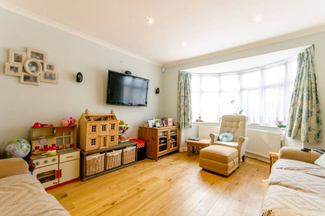 Thumbnail Property to rent in Riversfield Road EN1, Enfield Town, Enfield,