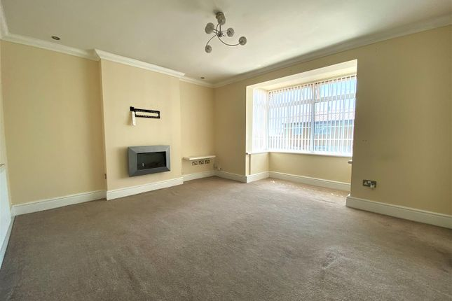 Living Room of Chedworth Crescent, Cosham, Portsmouth PO6