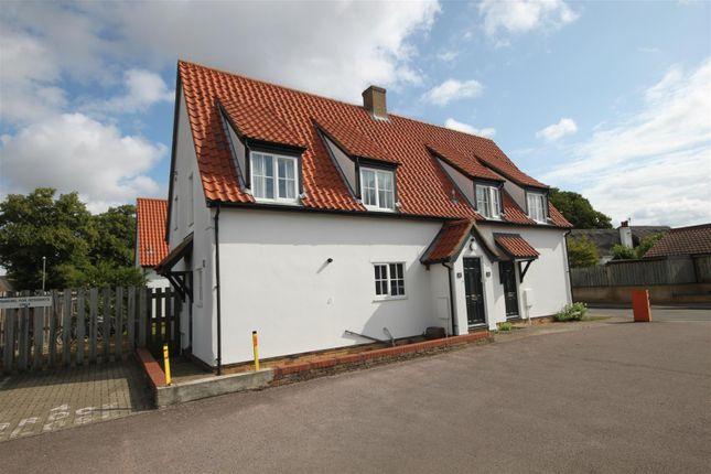 Thumbnail Flat to rent in Brook Close, Histon, Cambridge