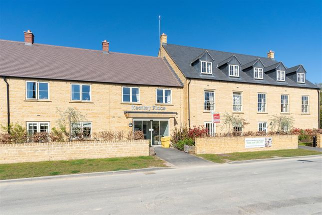 2 bed flat for sale in Hospital Road, Moreton-In-Marsh, Gloucestershire GL56