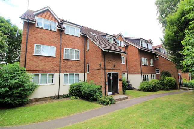 Thumbnail Flat to rent in Flamstead End Road, Cheshunt