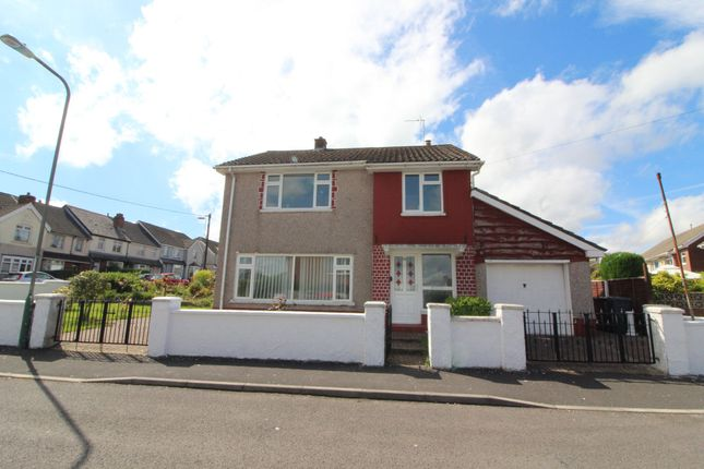 Thumbnail Detached house for sale in Derwyn Close, Cefn Road, Blackwood