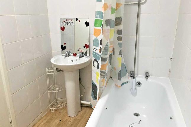 Bathroom of Park Street, Treforest, Pontypridd CF37