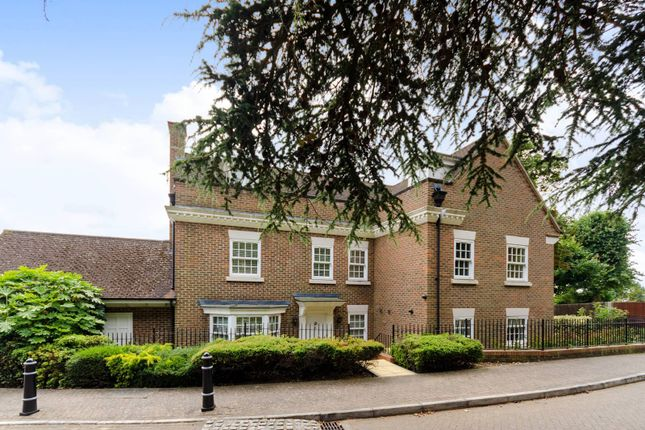Thumbnail Detached house to rent in Dickenswood Close, Crystal Palace