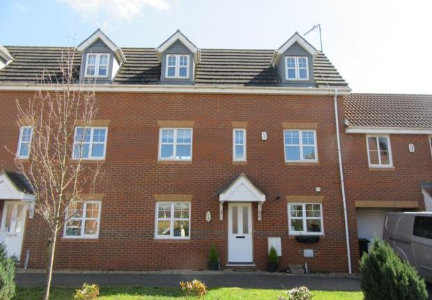 Thumbnail Town house to rent in Chapel Close, Rushden