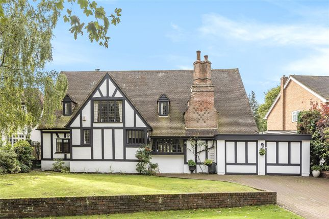 4 bed country house for sale in Oakfield Lane, Keston, Kent BR2