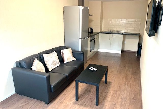 Flat to rent in Trinity Road, Bootle